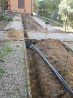 Il recupero dell'acqua piovana e la realizzazione di un impianto automatizzato di irrigazione a goccia, garantiscono l'ottimizzazione dell'utilizzo e la minimizzazione degli sprechi.